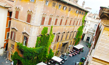 Location Rooms in Navona